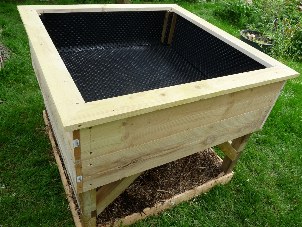 Installer un potager sur lev maison jardin for Potagers sureleves
