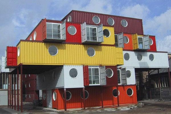 Am nager un container en maison maison jardin - Transformer container en maison ...