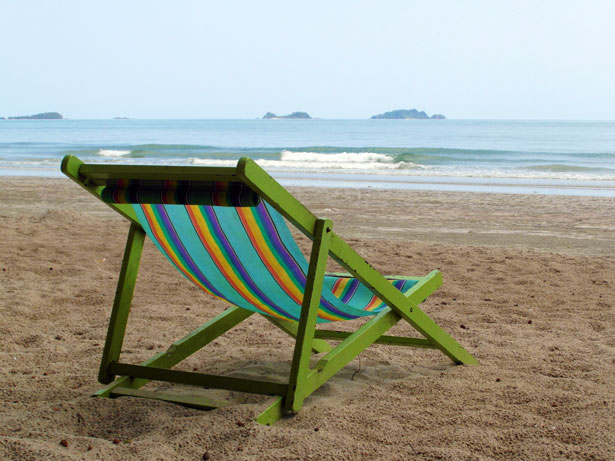 deckchair-on-an-empty-beach